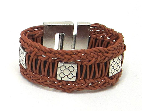 Braided leather bracelet with sliders
