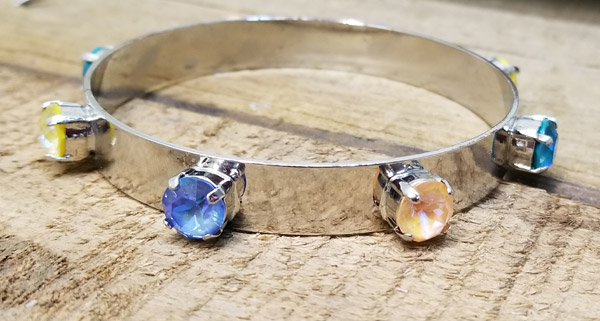 Delite multi-colour bangle