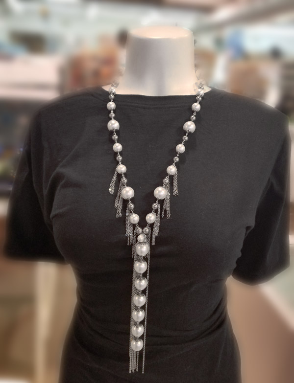 Pearls and stainless steel tassels necklace