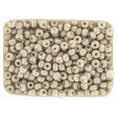 Seed beads, chalk beige lustered rocailles