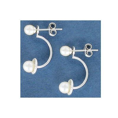 Sterling silver earrings with pearls, .925