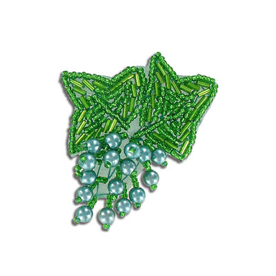 Sequin motif, 5.5x6cm (2.25x2.25), leaves with pearls, kelly green