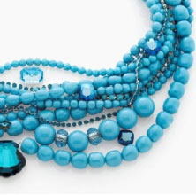 Crystal Turquoise Pearl and bright blue tones provide a fresh summer feeling